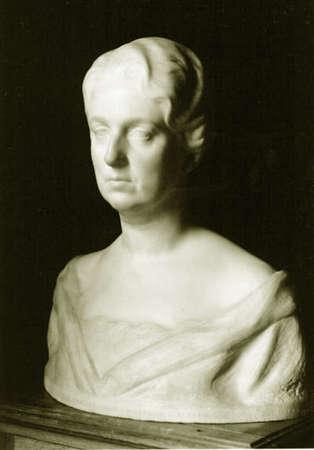 Bust of the Duchess of the Infantado by the sculptor Enrique P?rez Comendador