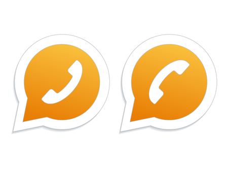 phone handset: Cornetta del telefono in arancione sull'icona fumetto. Vettoriali