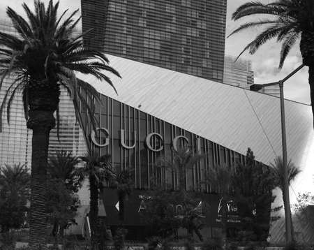 gucci: Gucci shop