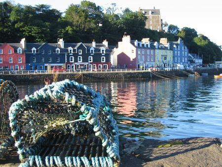 mull: Lobster pot and Tobermory, Harbour, Isle of Mull Stock Photo