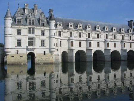 Reflection of Chenonceau