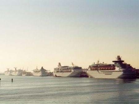 cruise ships: Cruise ships, Miami