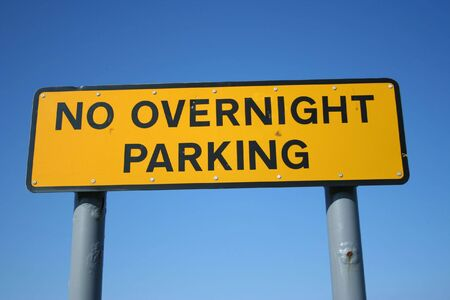 overnight: No overnight parking sign Stock Photo