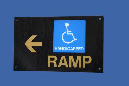 rámpa: wheelchair ramp direction sign