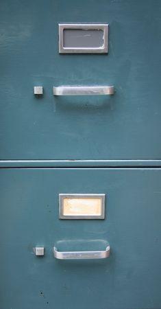 archivador azul de fondo con dos cajones