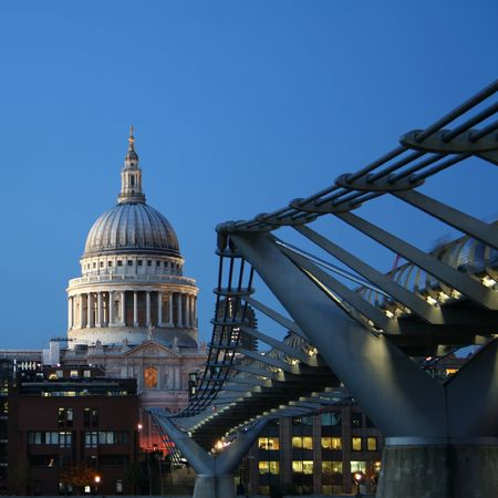 floodlit: St Pauls cathedral and Millennium bridge, London at night