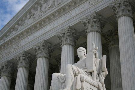 dc: statua fuori Corte Suprema di Washington DC Archivio Fotografico
