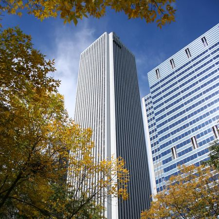 aon: Aon Tower and autumn color Chicago Illinois