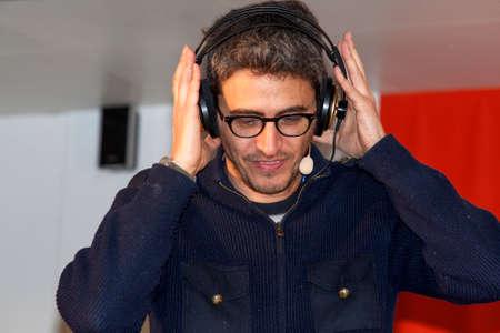 sanremo: Festival di Sanremo 2015.  Pif  trasmette da Radio 2 rai