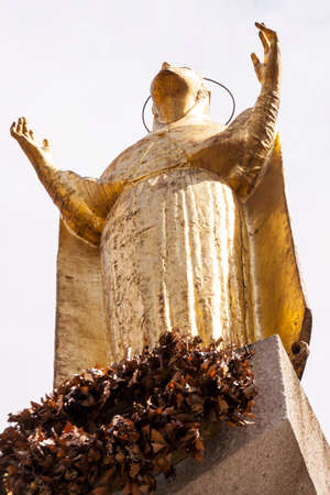garibaldi: Our Lady of plaster covered with gold leaf,Piazza Garibaldi, Trieste,Italy