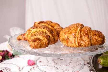 galletas integrales: Desayuno saludable con enteros y orgánicos ingredientes brioches