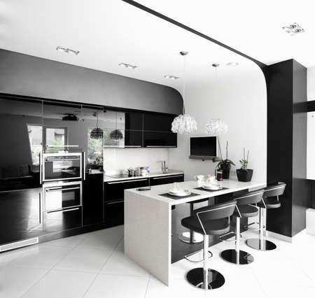 cuisine moderne: luxe et tr�s propre cuisine europ�enne vide
