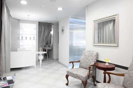 Neue und leere europäischen Luxus-Klinik Standard-Bild - 22159541