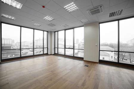 近代的なオフィスのスタイリッシュなブランドの新しいインテリア 写真素材