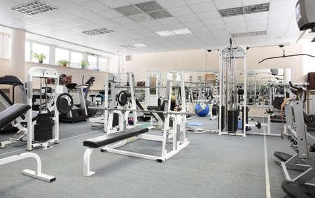 조금 사람들없이 유럽 스포츠 체육관을 사용 스톡 콘텐츠