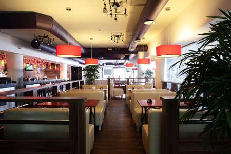 beautiful brand new european restaurant in downtown Standard-Bild