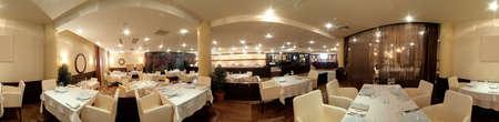 prachtige, nieuwe europese restaurant in het centrum Stockfoto