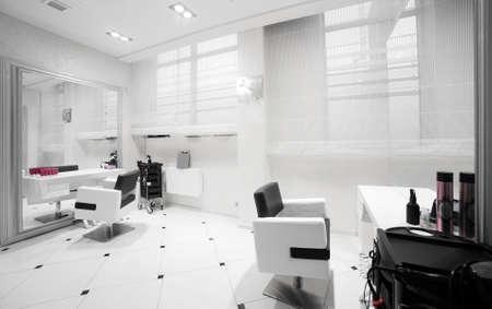 salon de belleza: nuevo interior de la marca de un salón de belleza europeo