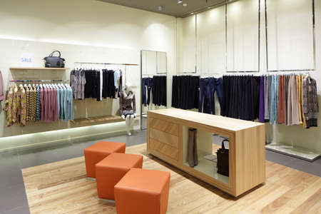 luxury and fashionable brand new interior of cloth store Zdjęcie Seryjne - 28568415