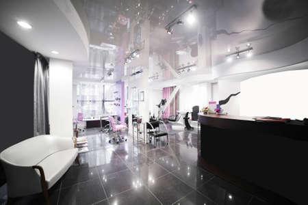 gloednieuw interieur van europese schoonheidssalon Stockfoto