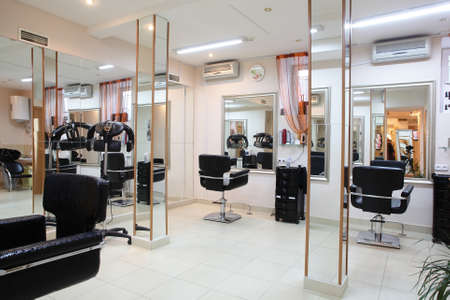 peluqueria: nuevo interior marca de sal�n de belleza europeo Foto de archivo