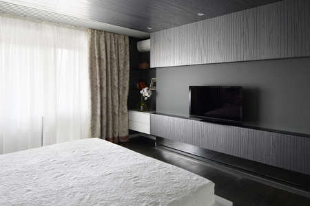 bright and brand new interior of european bedroom 写真素材 - 97346570