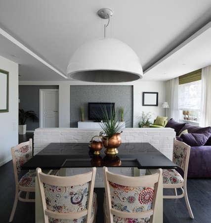 big and bright interior of modern living room 写真素材 - 97346571