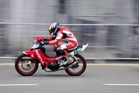 motor racing: motor racing panning