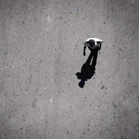 L'uomo e la sua ombra