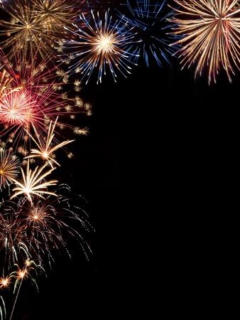 Rahmen aus bunten Urlaub Feuerwerk mit Platz für Ihren Text Standard-Bild - 15173995