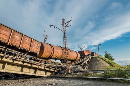破壊された橋のための列車の衝突事故 写真素材