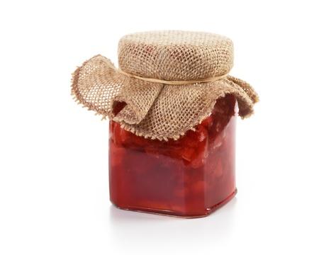 mermelada: Frasco de mermelada de fresa para dar como regalo en blanco