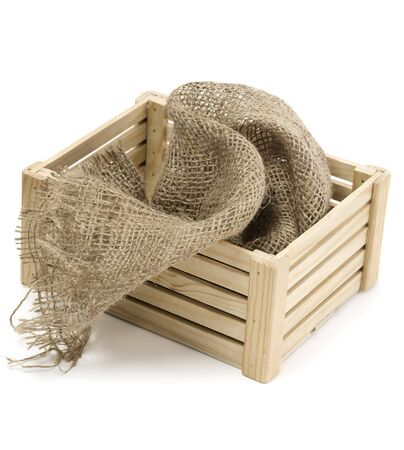 jute: Crate and jute on white