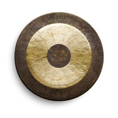 Traditionele oosterse gong op een witte achtergrond, vooraanzicht