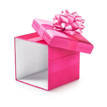 リボン弓付きオープン ピンク ギフト ボックスです。休日の現在。オブジェクトは、白い背景で隔離。クリッピング パス