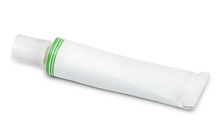 Closed Tube Salbe oder Creme auf weißem Hintergrund