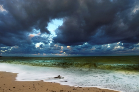 After Storm sea Dramatic scene Stock Photo - 15538922