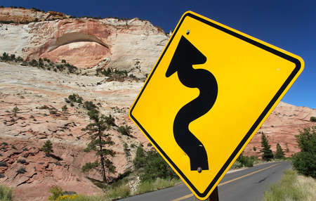 zion: Winding Road (Traffic Sign) in Zion Nationalpark Stock Photo