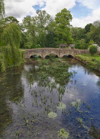 Arlington Row in Bibury with River Coln, Cotswolds, Gloucestershire, UK Standard-Bild