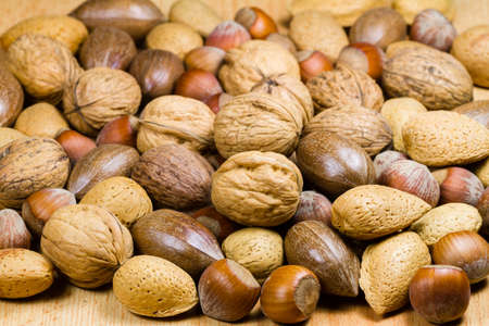 cobnut: Mixed nuts (hazelnuts, walnuts, shell almonds, pecans)