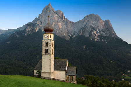 st valentin: St. Valentin with Schlern in background, Seis, South Tyrol Stock Photo