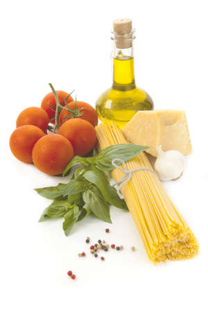marinara sauce: Set for preparation of traditional Spaghetti pasta with cheese and tomato