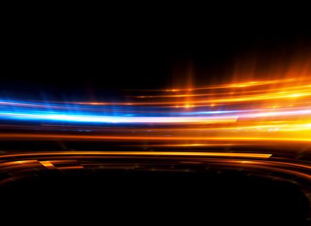 아름 다운 빛 플레어. 어두운 배경에 빛나는 줄무늬. 빛나는 추상 스파클링 줄 지어 배경. 조명 효과 벽지. 과학 기술.