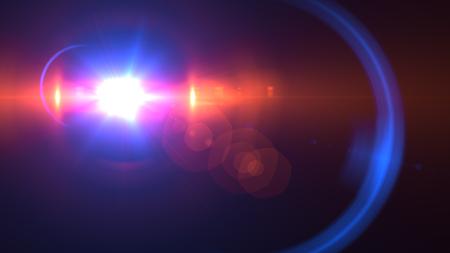 Mooie lichte gloed. Gloeiende strepen op donkere achtergrond. Lichtgevende abstracte mousserende gevoerde achtergrond. lichteffectbehang. Scifi-technologie. Stockfoto