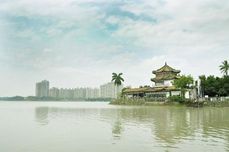 my dear: Chengching lago � il pi� grande lago della zona Kaohsiung. Cara Luna Torre � una delle attrazioni pi� favorita-Kaohsiung, Taiwan