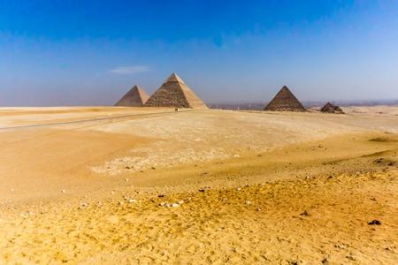 Woestijnlandschap van de pyriamids in Gaza dichtbij Kaïro, Egypte.