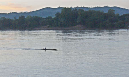 caravelle: Caravel dans le Mékong