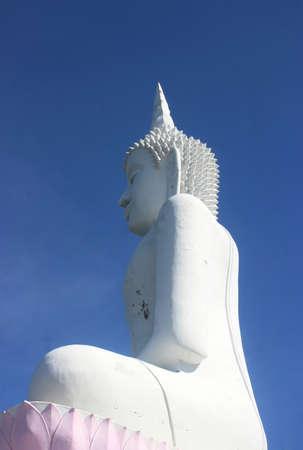 White Buddha statue.