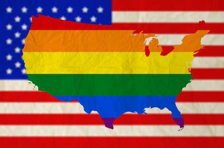 bandera gay: Bandera del arco iris en los estados unidos de américa con EE.UU. bandera de fondo Corte Suprema de Estados Unidos rige el matrimonio gay es legal en todo el país