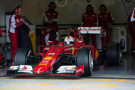 jerez de la frontera: JEREZ DE LA FRONTERA, SPAIN - FEBRUARY 02: Sebastian Vettel, pilot of the team Ferrari in test Formula 1 in Circuito de Jerez on feb 02, 2015 in Jerez de la frontera.